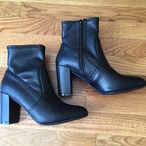 NEW Steve Madden black ankle booties
